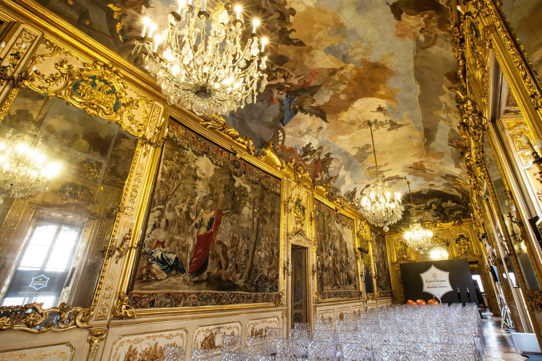 LOUIS VUITTON MOËT HENNESSY Veuve Clicquot VCP Gala Dinner Event Set Design Styling Palazzo Clerici Milano 05